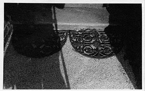 PE_R40_Shadows_on_steps