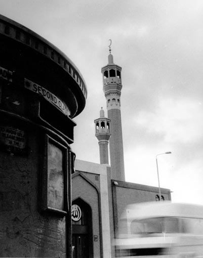 PE_R89_Whitechapel_mosque_SMALL